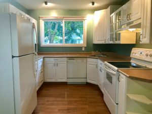 Three bedroom Two bath Downtown $2000