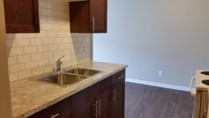 Two bed One bath top floor corner unit $1200