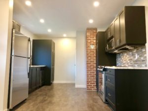 3 Bed, 1 Bath suite near Village Green Mall, Vernon. $1590.
