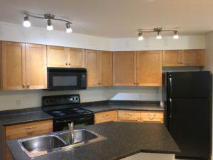 Cute 1 bedroom condo in Rutland, $1400, available NOW!!
